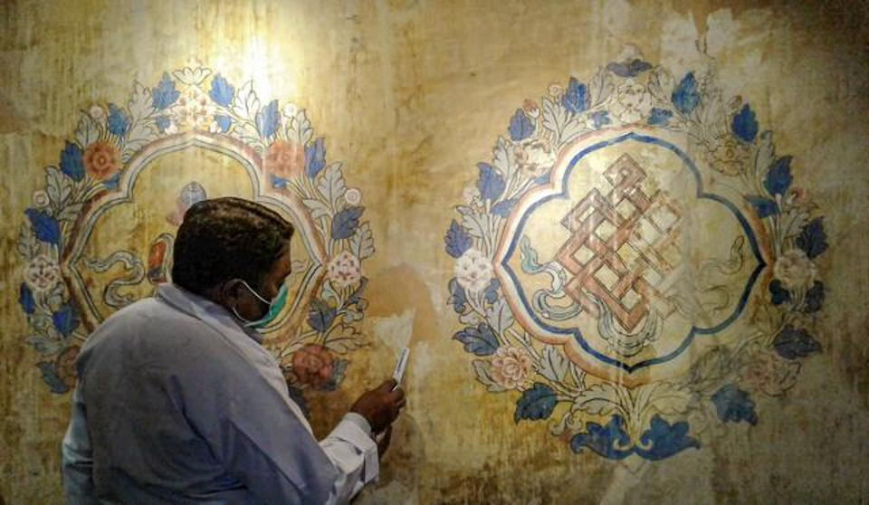 Exquisite Four Hundred Year Old Murals Rescued From Graffiti In Indian Palace Restoration | Alternative Fruit